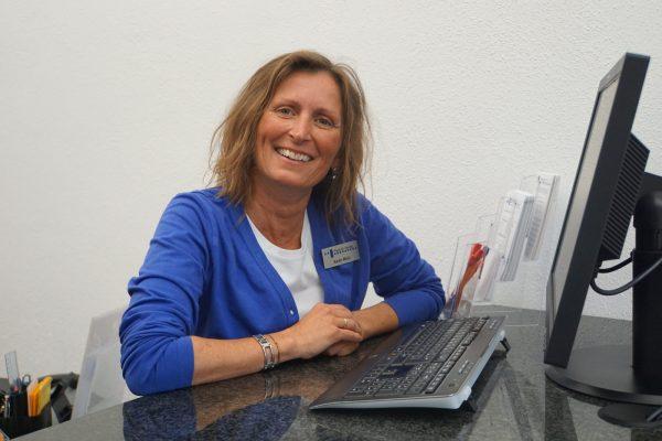 Praxisteam Dr. Feulner Erlangen Karin Mols